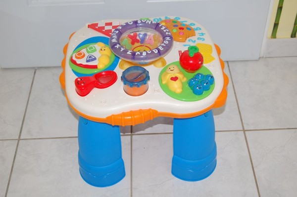 table d activit s rire et veil fisherprice table d. Black Bedroom Furniture Sets. Home Design Ideas